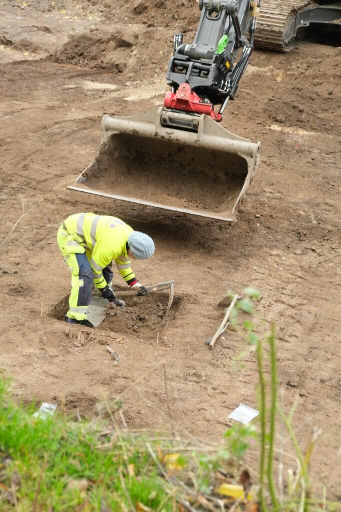 Ett av grävschakten